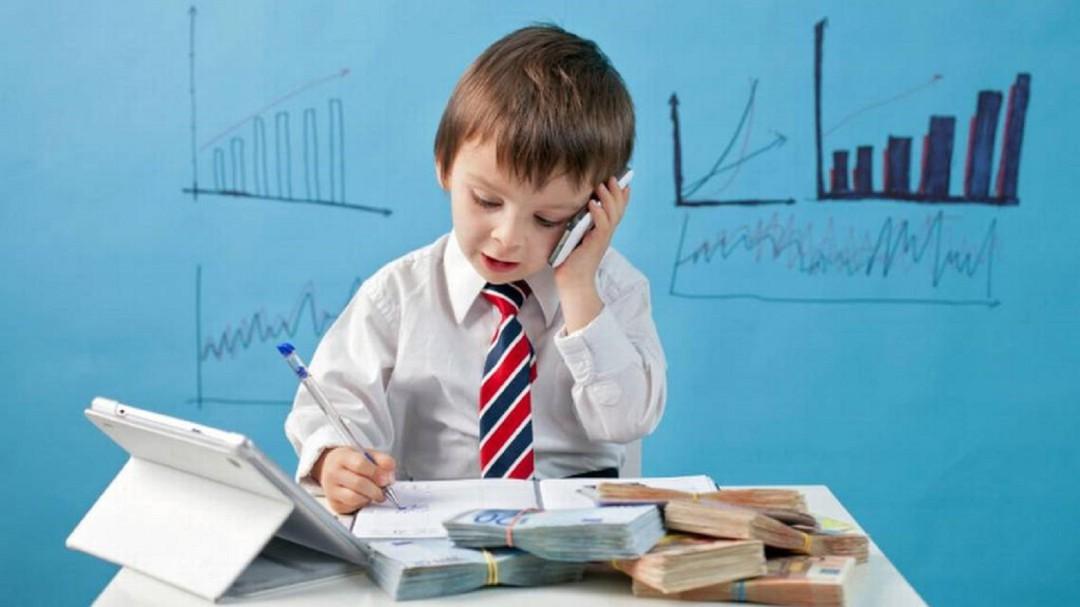 La Comunidad lanza un curso para enseñar finanzas a niños de primaria