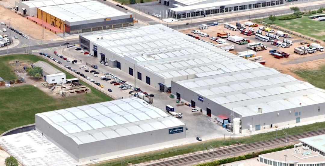 Vista aérea de las instalaciones donde se ha producido un incendio este martes en el Polígono Industrial de Manzanares (Ciudad Real)
