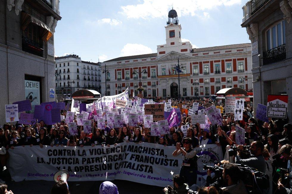Manifestación feminista en la Puerta del Sol con motivo del 8-M
