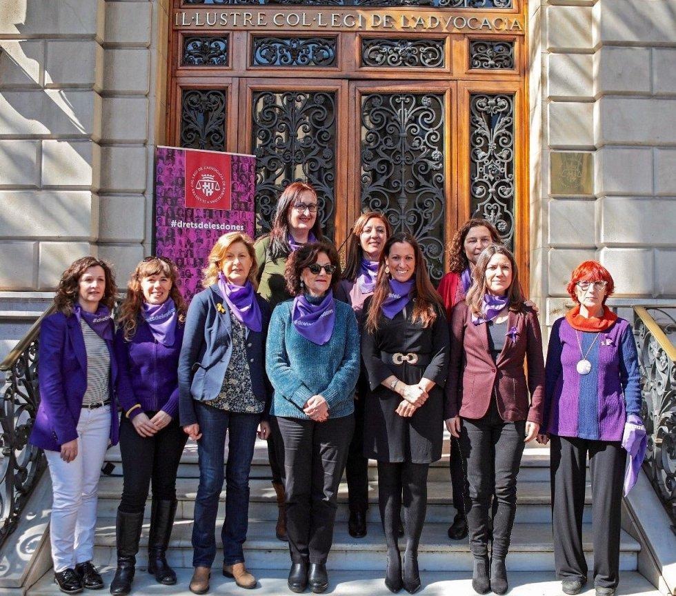 La Comisión De Mujeres Del Icab Apoya La Huelga General Feminista Por La Igualdad