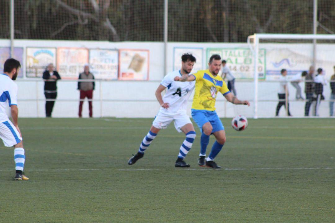 Arcos y Conil se reparten los puntos en un partido malo y con pocas  ocasiones de gol 74d6a61b8712b
