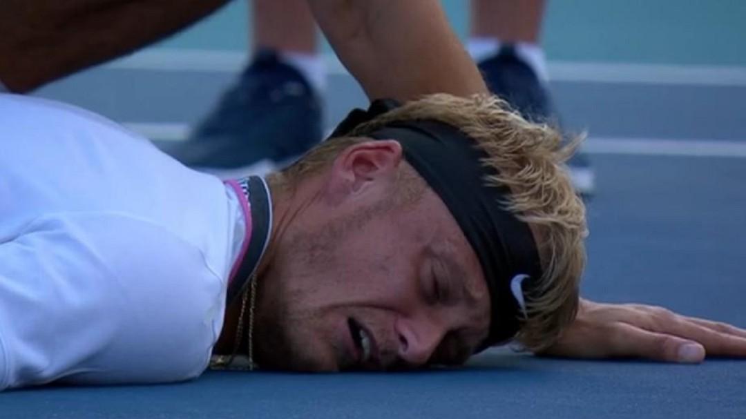 Las agónicas imágenes de la derrota en Miami de la gran promesa del tenis español
