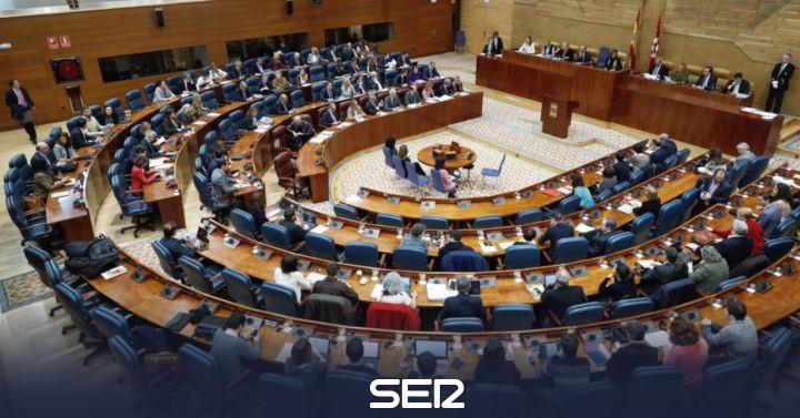 Los diputados acuerdan quedarse con las tabletas de la Asamblea valoradas en 180.000 euros