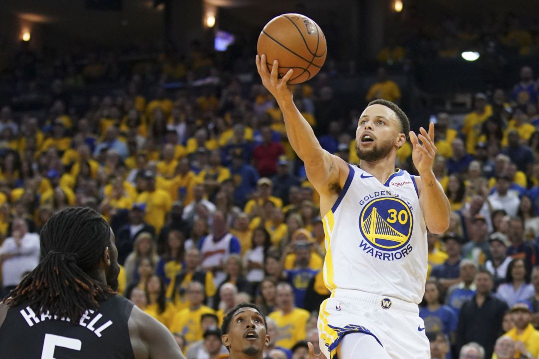 El primer partido de la ronda de playoffs terminó con victoria para los Golden State Warrios frente a Los Angeles Clippers  (121-104)