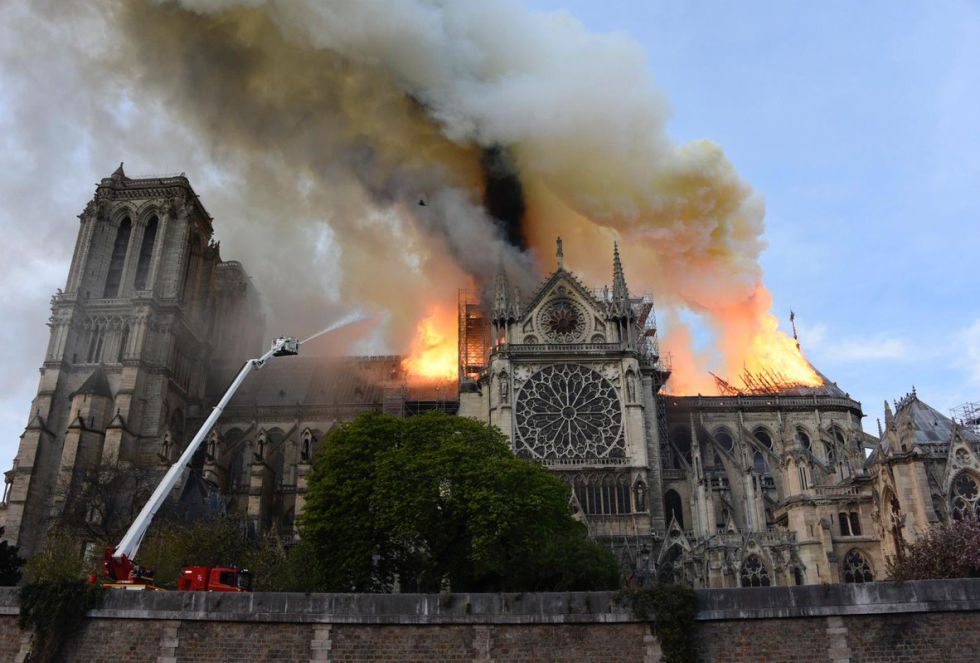 """""""Las catedrales góticas son, de alguna forma, uno de los grandes elementos de la construcción de Europa. Un símbolo extraordinario de la cultura europa. Que desaparezcan de esta manera es una pérdida para el patrimonio europea"""", ha explicado José Luis Corral, profesor de Historia Medieval de la Universidad de Zaragoza"""