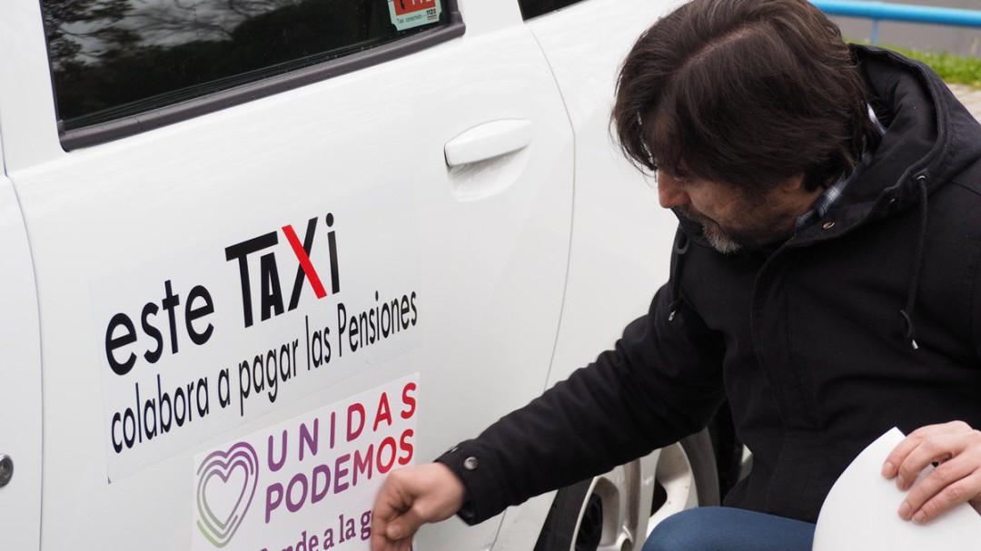 Taxistas madrileños vuelven a llevar publicidad gratuita de Podemos