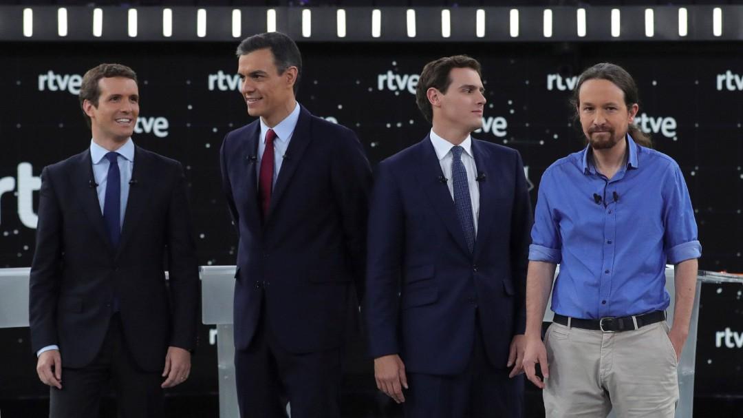 El primer debate a cuatro acentúa la diferencia entre los dos bloques