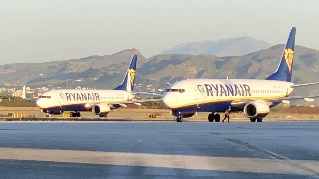 d202e57fc Desvían un vuelo debido a la conducta inapropiada de una pasajera detenida