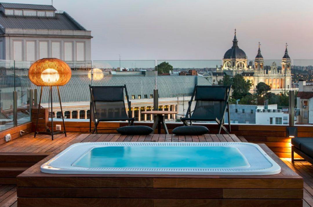 Seis Hotelazos Con Terraza Para Disfrutar De Las Vistas Y El