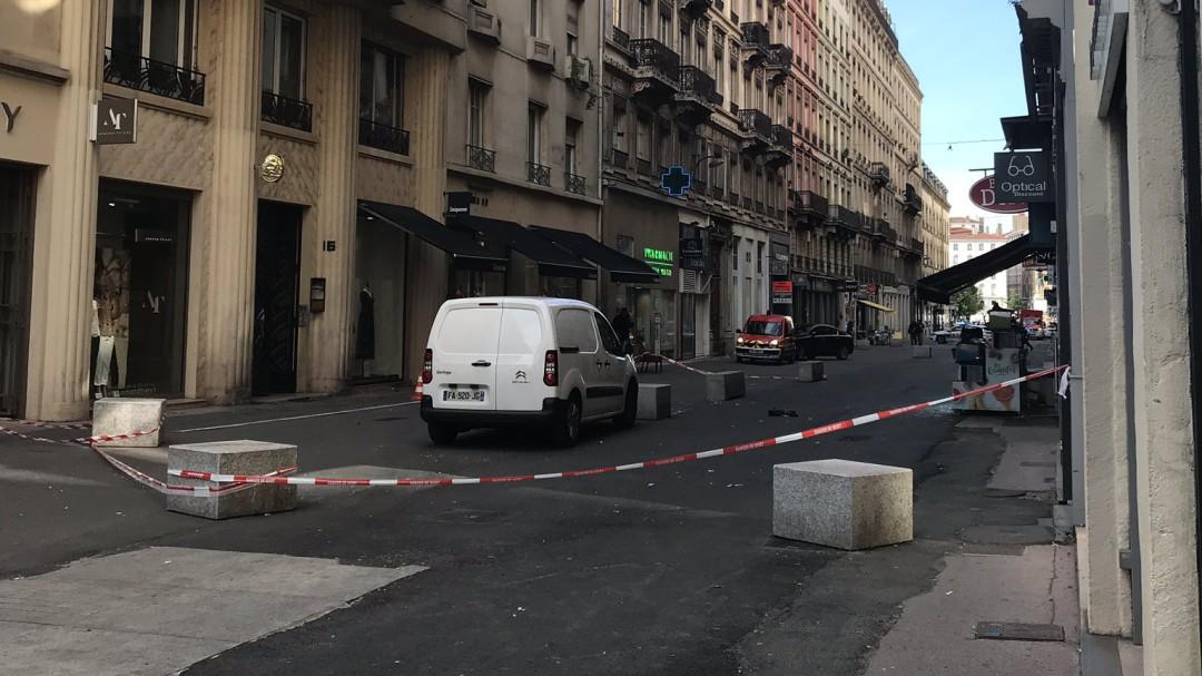 Al menos 13 heridos en una explosión en una calle comercial de Lyon