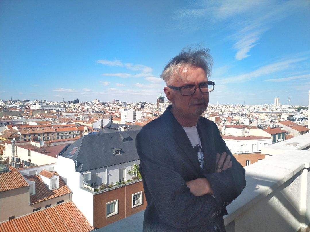 Eduard Limónov en la terraza de la Cadena SER.