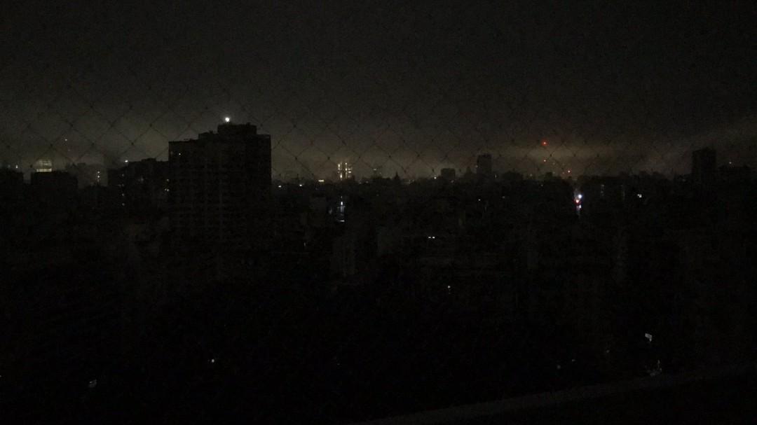 Un apagón masivo deja sin luz a toda Argentina y Uruguay y partes de Brasil y Chile