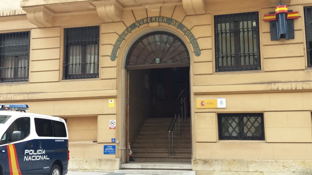 Detenidos tres jóvenes de Llanes por la muerte a golpes de profesor David Carragal