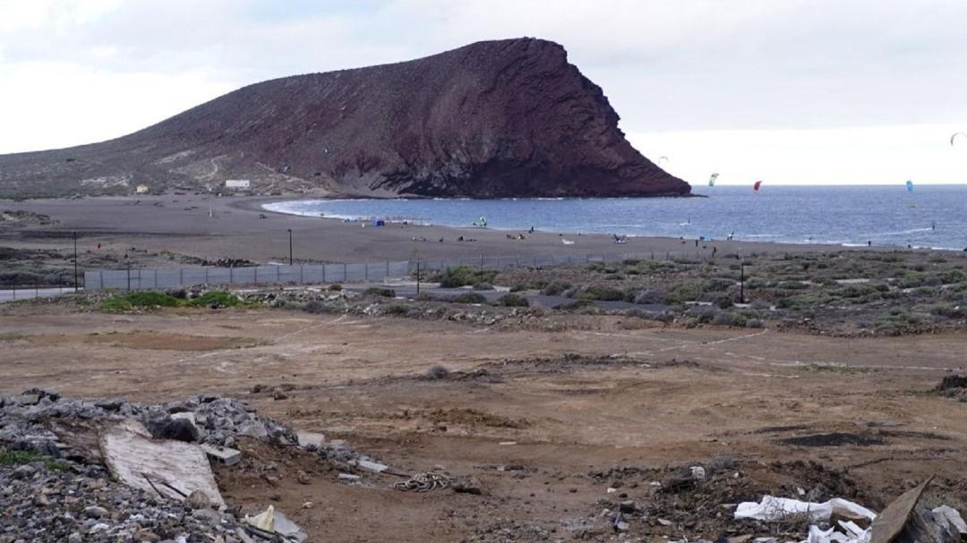 Costas ordena paralizar la construcción del hotel en La Tejita