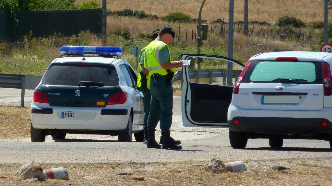 Buscan al individuo que ha atropellado a un Guardia Civil