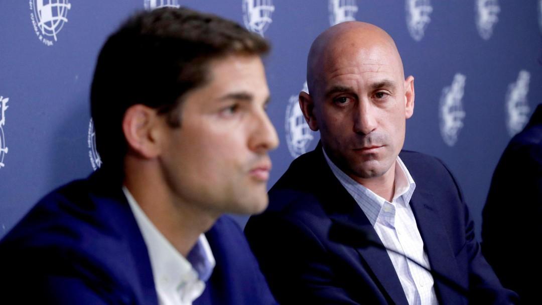 Luis Enrique deja la selección española y le sustituye Robert Moreno