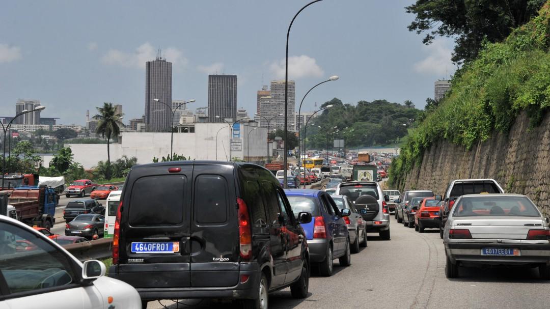 Muere una monitora española y diez jóvenes españolas resultan heridas en un accidente de tráfico en Costa de Marfil
