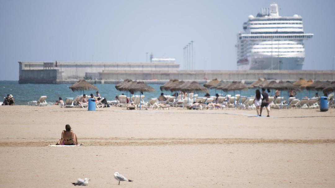 La primera ola de calor del verano trae temperaturas extremas