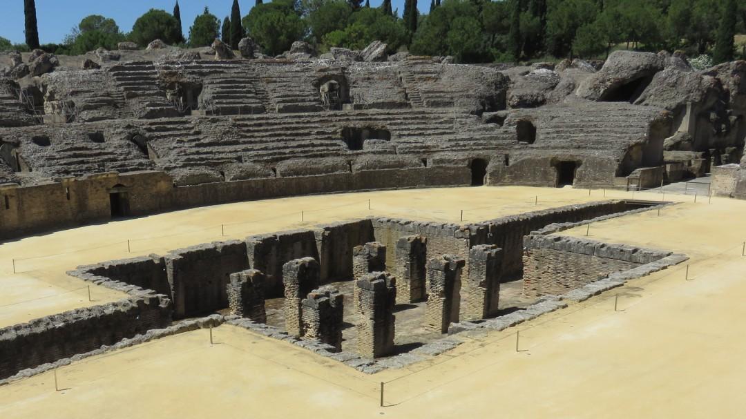 La Junta de Andalucía promociona Itálica con una foto del coliseo romano