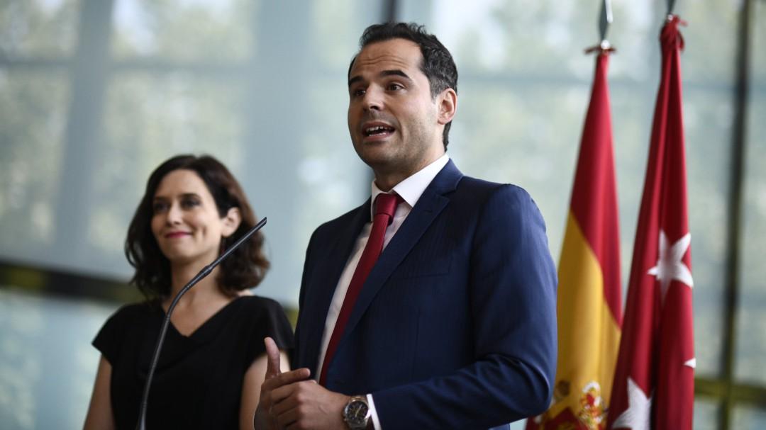 El acuerdo de PP y Cs elimina la universalidad de la sanidad en Madrid