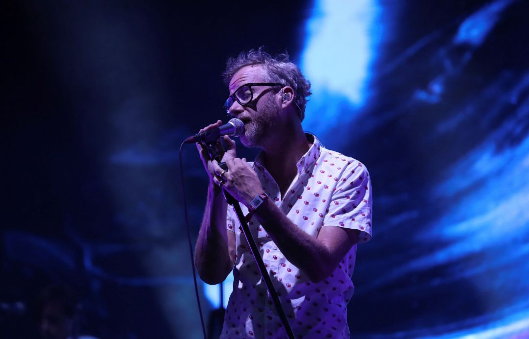 El cantante de The National, Matt Berninger, durante su actuación en la segunda jornada del Mad Cool 2019.