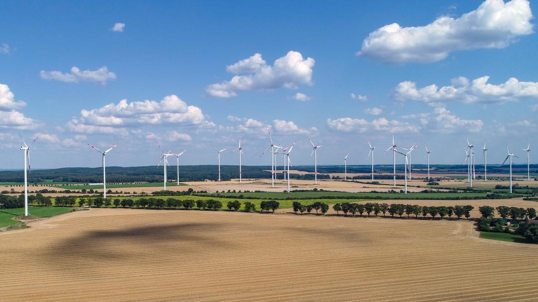 ¿Por qué a España le cuesta tanto ser renovable?