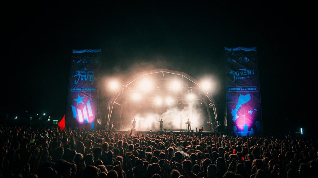 La cara amarga de los festivales: tras la música y diversión, precariedad