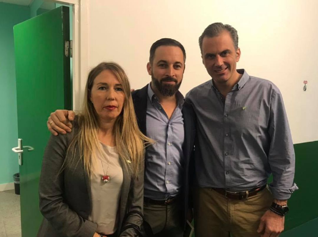 ¿Cuánto mide Santiago Abascal? - Estatura real: 1,80 - Página 9 1564400040_537858_1564400628_noticia_normal