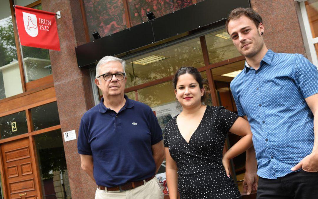 Iñaki Arruabarrena, presidente de la Fundación, Nagore Larrión y Eneko Iriarte, responsable e integrante respectivamente del área de Música de la misma.