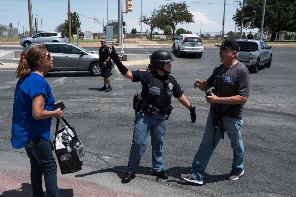 El incidente todavía no se ha resuelto, según han confirmado las mismas fuentes, y la Policía está rastreando varios puntos de la ciudad.