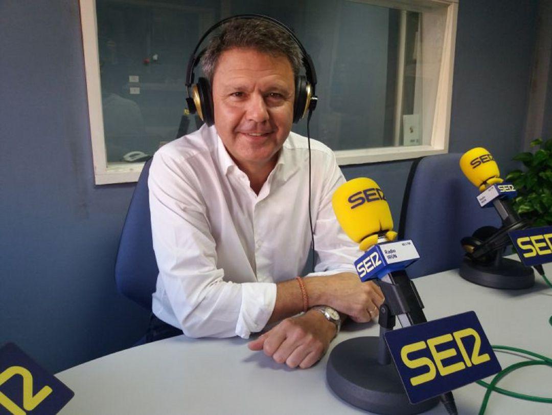 """Santano critica que la operación retorno """"ya es complicada"""" como para """"empeorarla"""" con el G7"""
