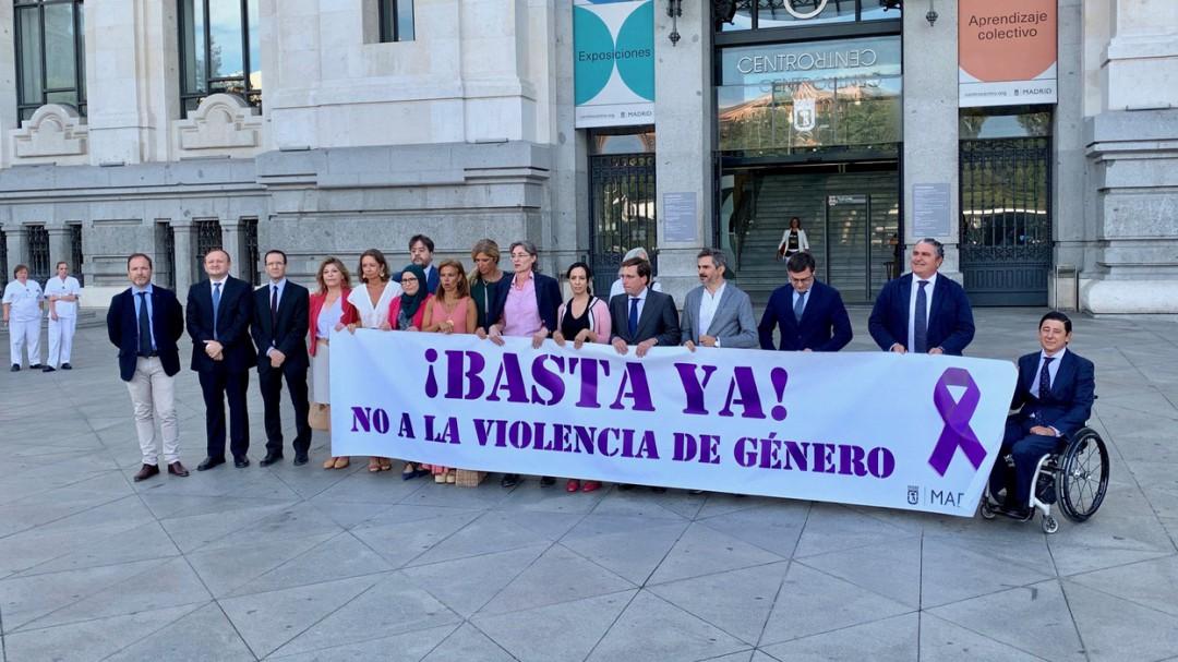Vox, el único ausente en el minuto de silencio por el último asesinato machista en Madrid