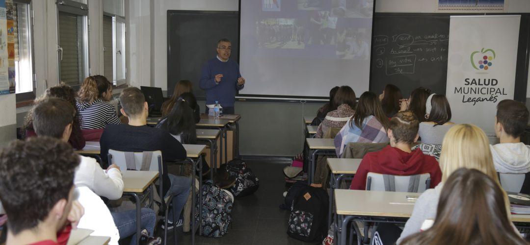 400.000 euros para gastos escolares de los niños de Leganés   SER ...