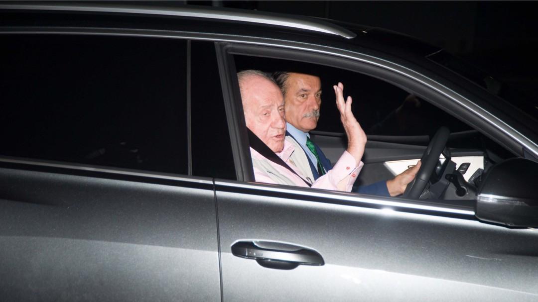 El rey Juan Carlos, operado con éxito tras implantarle tres 'bypass' aortocoronarios
