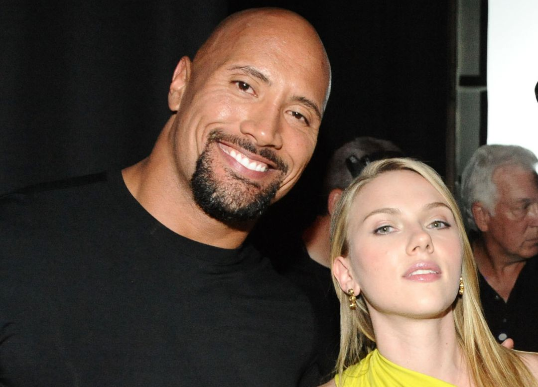 The Rock y Scarlett Johansson en 2010.
