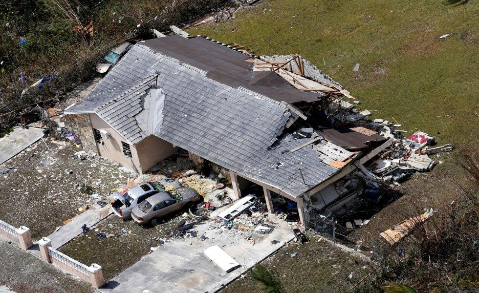 Por el momento, la tormenta no ha tocado tierra en Estados Unidos por lo que no ha causado víctimas mortales ni grandes destrozos