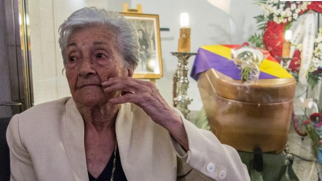 Muere Ascensión Mendieta, la mujer que pasó media vida buscando a su padre