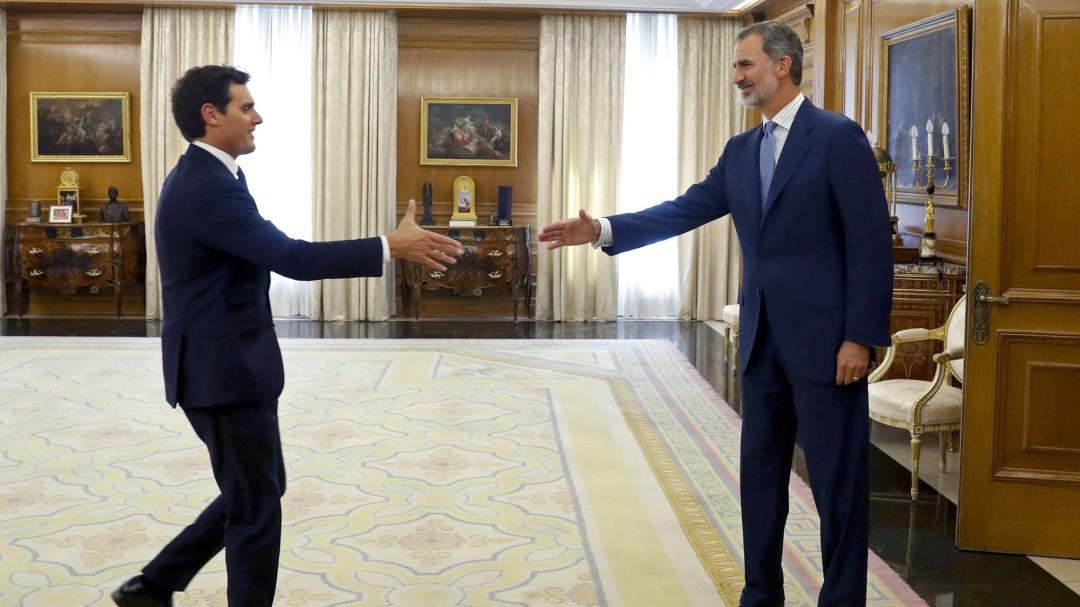 """Albert Rivera, tras su reunión con Felipe VI: """"Estamos a tiempo, pero para eso necesitamos que Sánchez rectifique"""""""