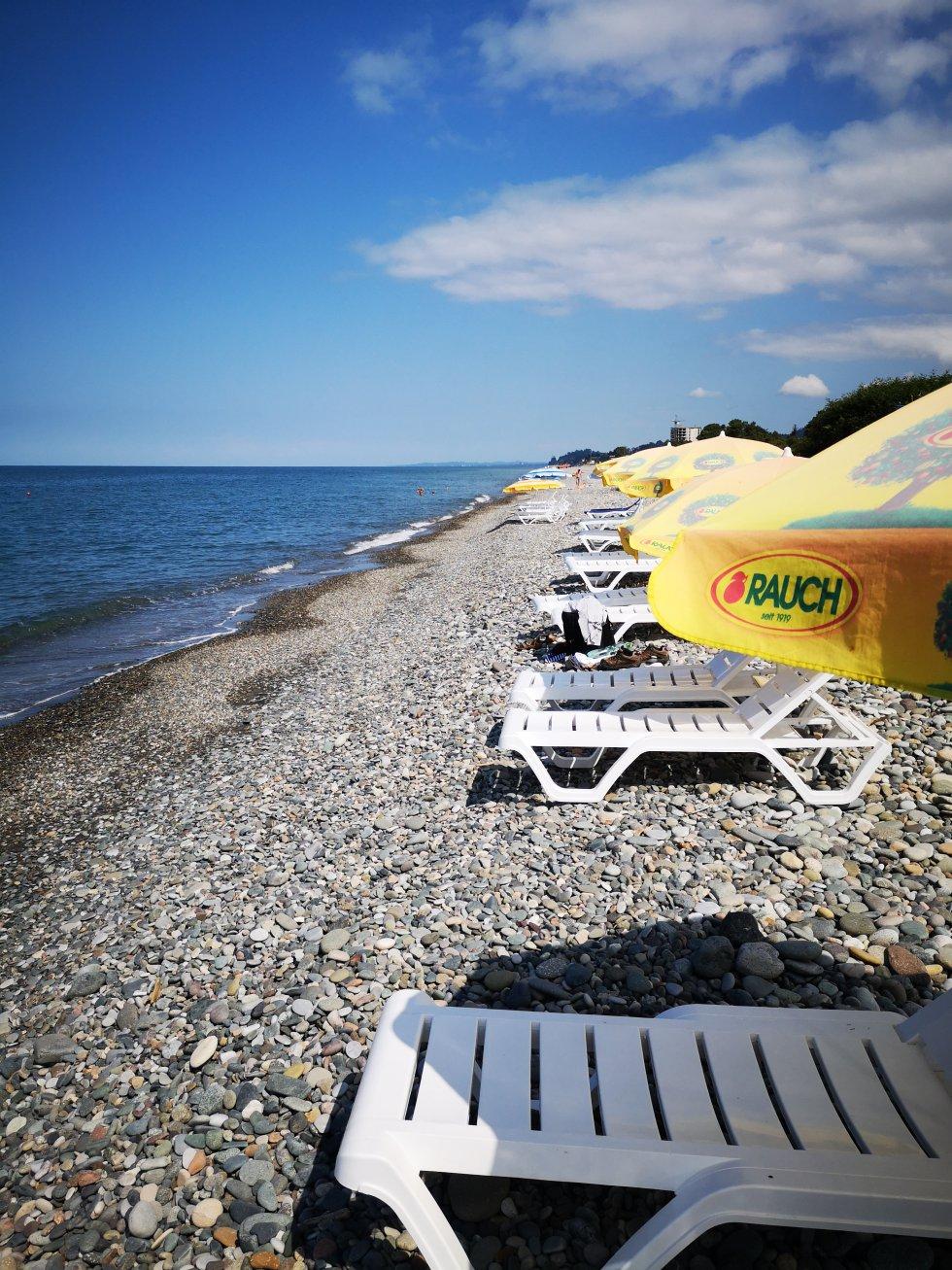 Las playas más próximas a Batumi son de piedra. En la foto, playa en Green Cape, a las afueras de la ciudad.