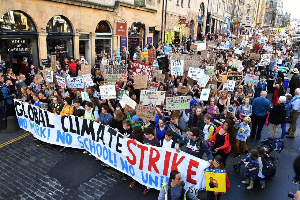 El próximo día 23 tendrá lugar la Asamblea General de la Onu, donde se debatirá sobre el futuro del clima mundialmente. En la foto miles de manifestantes inundan las calles de Edimburgo, Escocia.