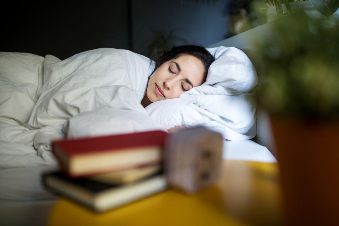 El curioso caso de la familia que era feliz durmiendo cuatro horas al día |  Sociedad | Cadena SER