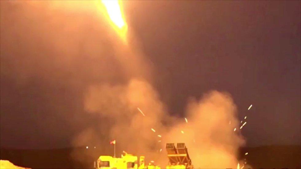 Lanzamiento de un cohete turco desde un lugar desconocido.