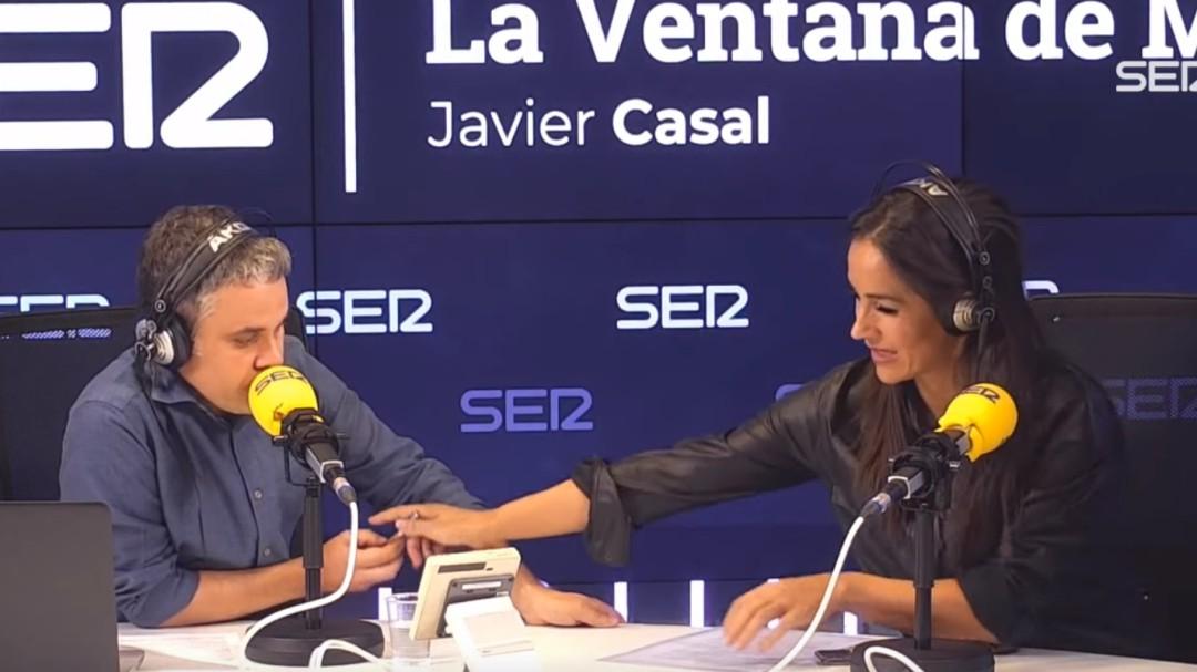 """""""No sé si quiere hacer usted la entrevista"""": Villacís le escribe una pregunta a un periodista de la SER"""