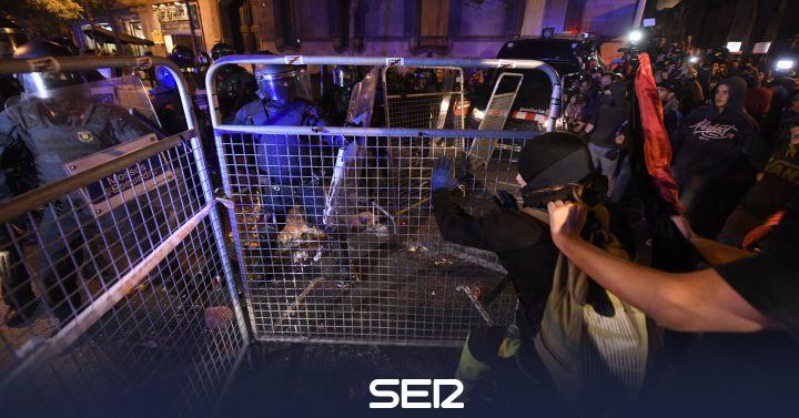 Directo | Al menos 5 detenidos en la segunda jornada de protestas y cargas policiales por la sentencia del procés