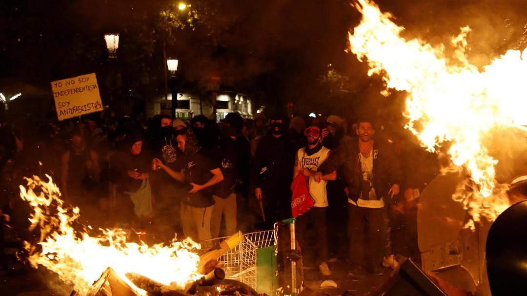 La pitjor crisi d'ordre públic que han vist els Mossos