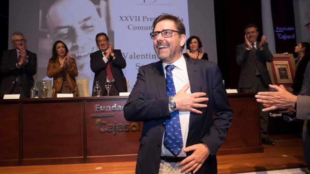 Fallece el periodista Valentín García, creador del movimiento #yomecuro