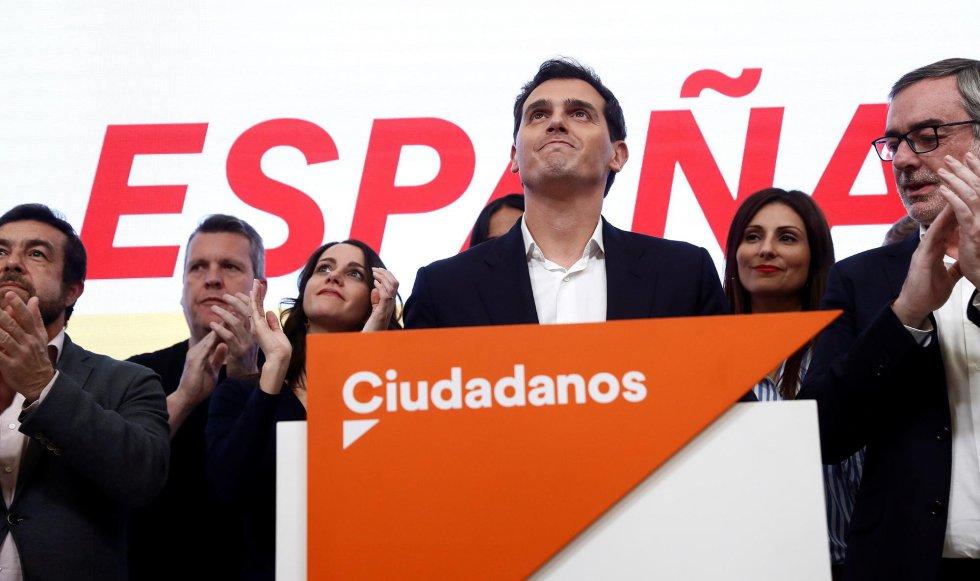 El líder de Ciudadanos, Albert Rivera, durante la valoración electoral del partido celebrada en Madrid. Rivera ha propuesto la convocatoria de un congreso extraordinario tras asumir los malos resultados del partido en las elecciones.