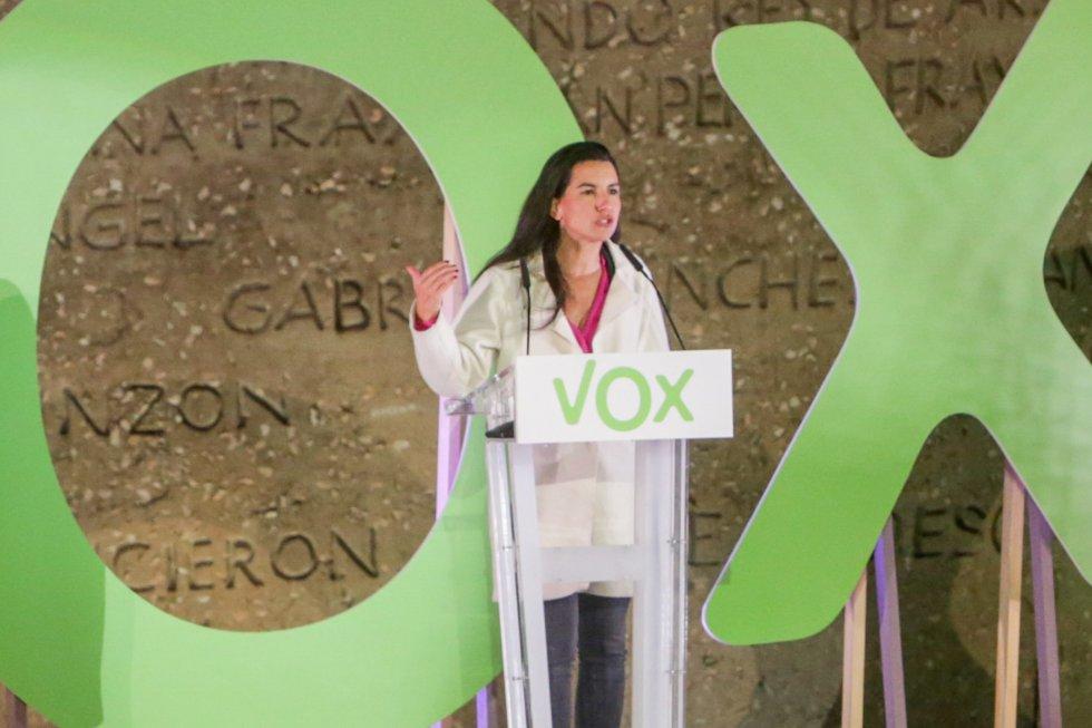 La portavoz de Vox en la Asamblea de Madrid, Rocío Monasterio, interviene en un mitin del partido de Vox, en la Plaza de Colón, en Madrid (España), a 8 de noviembre de 2019.