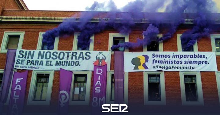 La Policía comienza el desaolojo del centro social La Ingobernable en Madrid