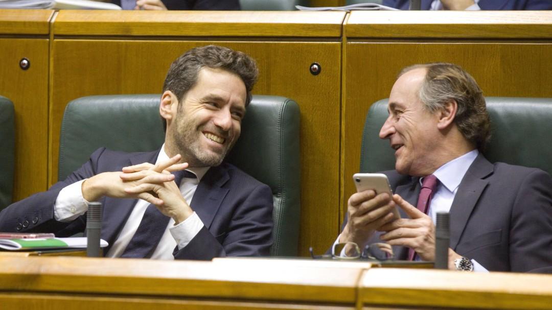 """El PP vasco carga contra Vox: """"Quieren retrasar los relojes 40 años"""""""